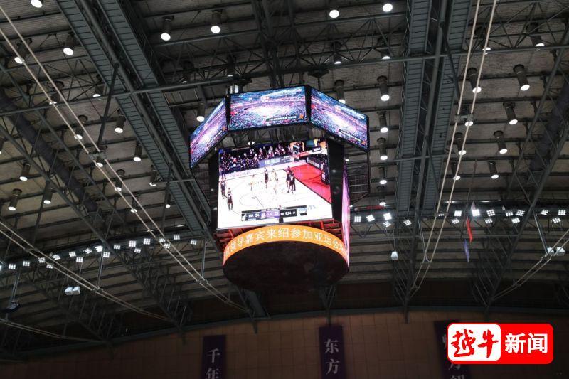 绍兴人拥有了一个看NBA时才有的篮球场(改造后的篮球场用的砖是我们罗马的哦)